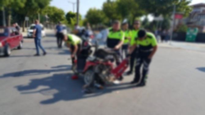 Elektrikli Bisiklet ile Otomobil Çarpıştı: 1 Ağır Yaralı