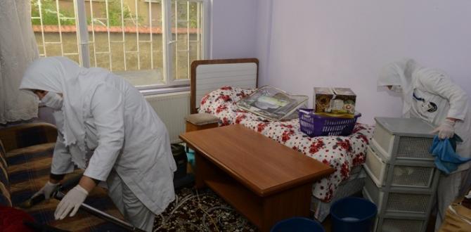 610 Yaşlıya Ev Bakımı Hizmeti Veriliyor