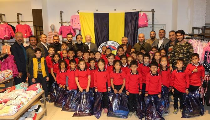 Fenerbahçeliler Derneği Öğrencileri Sevindirdi