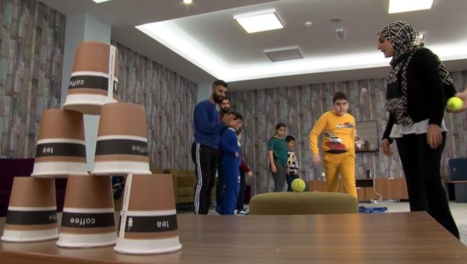 Otizmli Çocuklar Erciyes'te Kampa Girdi
