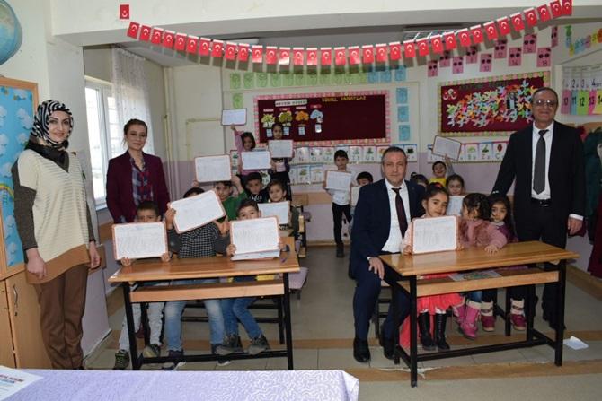 Sungurlu'da, 8 bin 233 Öğrenci Karne Aldı
