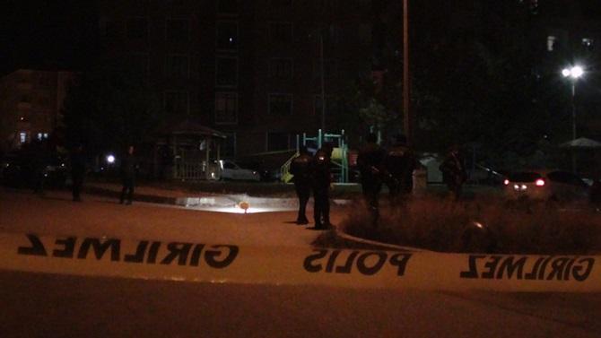 Bir Genç Parkta Tüfekle Öldürüldü