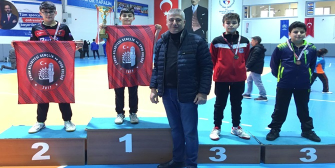 Belediye, Masa Tenisinde Türkiye Şampiyonu Oldu