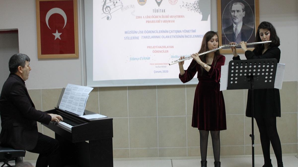 """""""Müzik ve Çatışma Yönetimi"""" Konulu Konferans Yapıldı"""